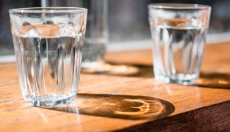 Benefits and Harms of A Glass of Water in the Morning On An Empty Stomach